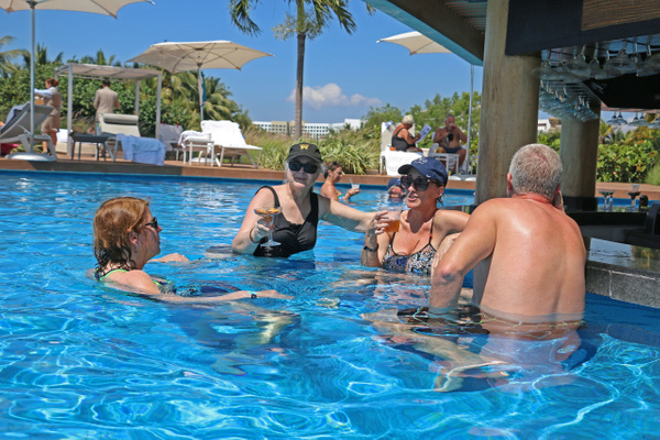 Happy hour at La Punta pool bar (Monday)