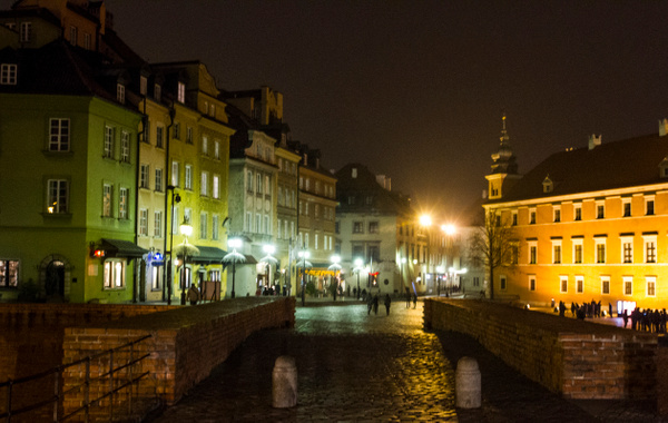 Warsaw by Vladyslav Kucheruk