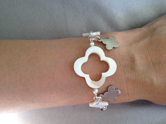 White_MOP_and_Silver_Q_Dangle_Bracelet
