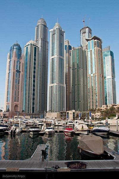 Dubai by SergeySt