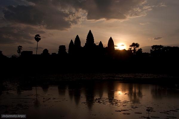 Angkor by SergeySt
