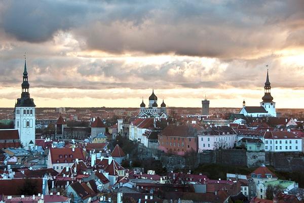 Tallinn by SergeySt