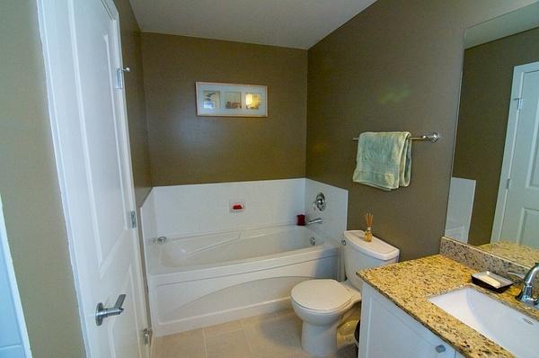 bathroom 3 by AlGlaze