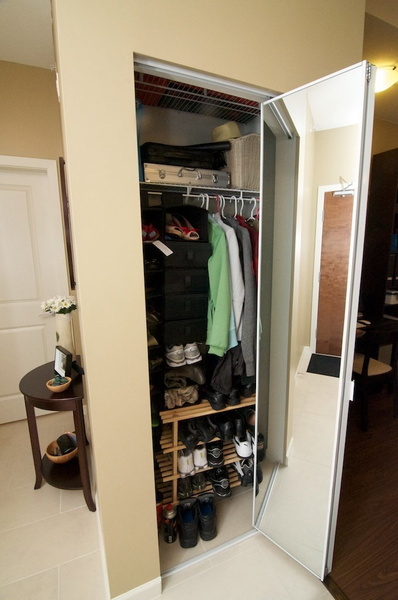 closet 1 by AlGlaze