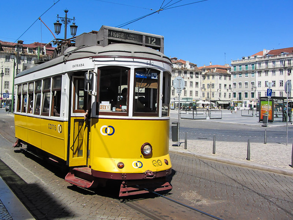 Lisboa by Anton Apostol