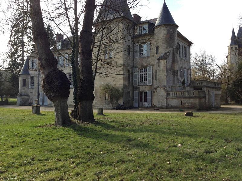 Le chateau Saintines