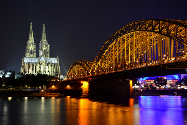 Cologne evening by andreyspb