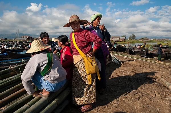 2011_11_Рынок на воде by Anatoly Strunin