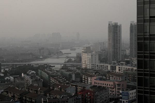 Wuxi, China by Eugene Osminkin