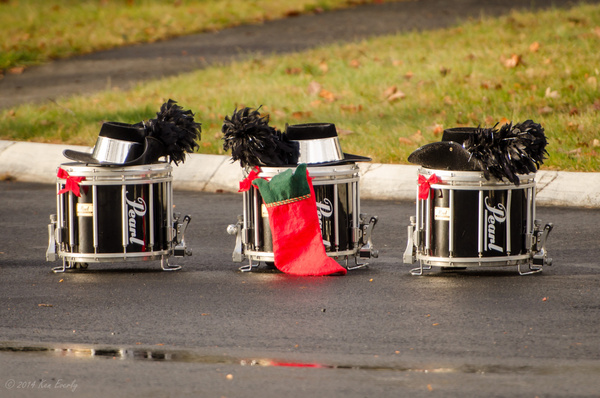 2014-12-06 012 BMTHolidayParade med by Ken Everly