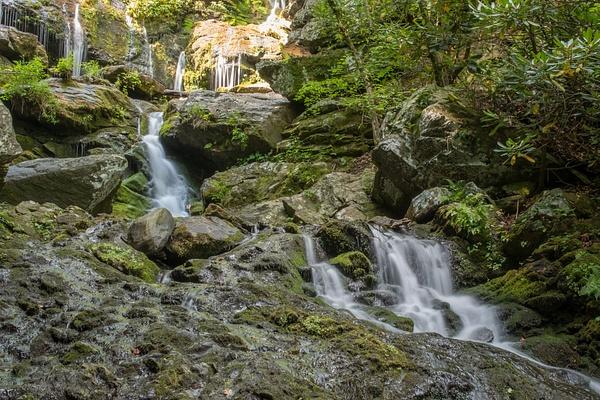 2015-08-10 093 Catawba Falls med by Ken Everly
