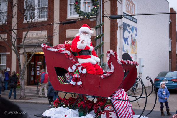 2016-12-03 Holiday Parade by Ken Everly
