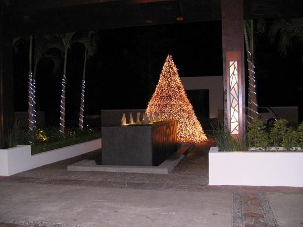 Entrance by Aannabandana