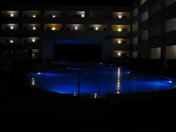 so pretty at night by Aannabandana