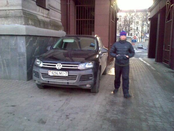 20_ул._Энгельса_4-6,_парковка_на_тротуаре by User4829416