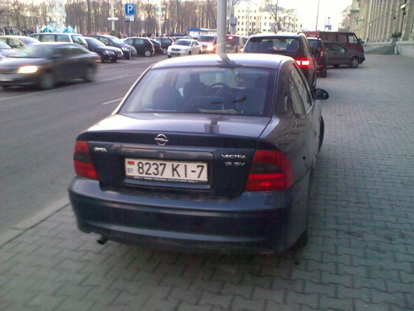 21_ул._Энгельса_4-6,_парковка_на_тротуаре by User4829416
