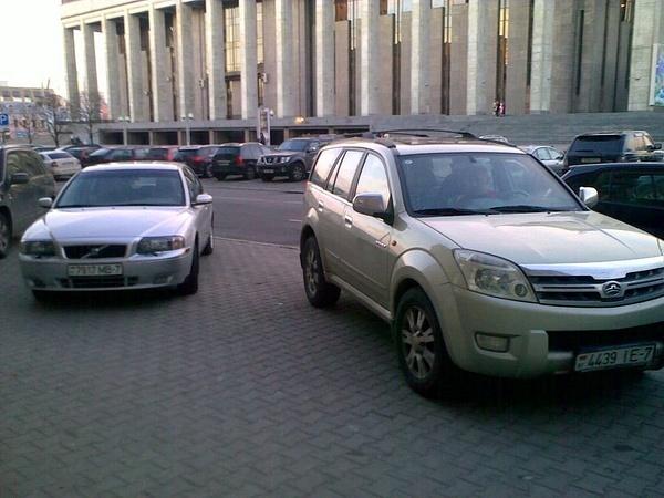 28_ул._Энгельса_4-6,_парковка_на_тротуаре by User4829416