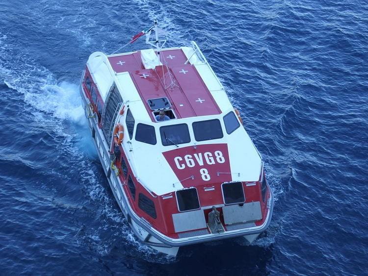 Shuttle_Boat