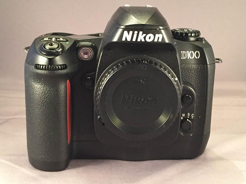 Nikon D100 Front