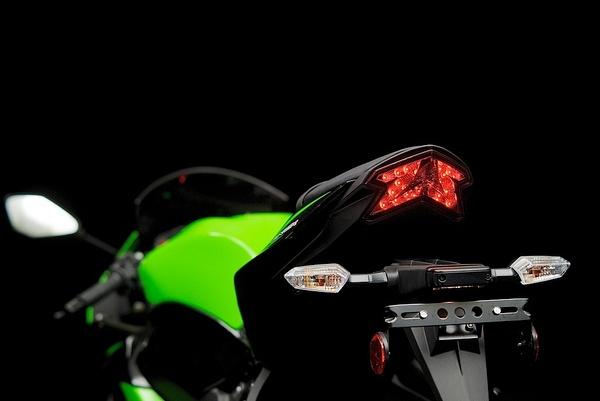 Kawasaki ZX6-r by MattCrandall