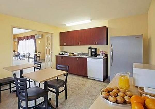 Levis cheap hotels