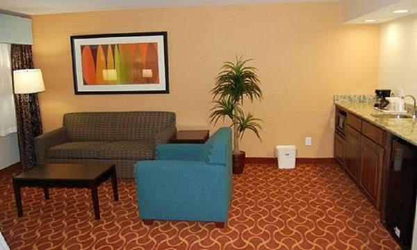 Hotel near dallas convention center