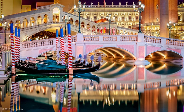 Bridge at Venitian by SBerzin