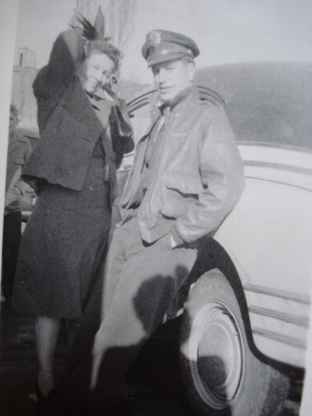 Ara &Fred Phillips ca. 1946 by stepmac