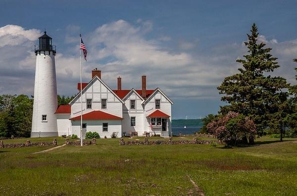 Point Iriquois Lighthouse-Lake Superior by SDNowakowski