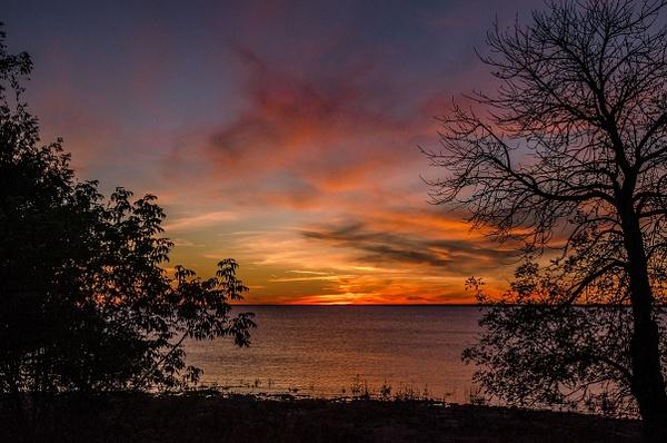 2015 Sunset @ Peninsula Point Light Oct by SDNowakowski