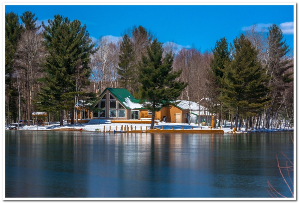 2018 April Cold Snap on Lake Gitchegumee in Buckley,...
