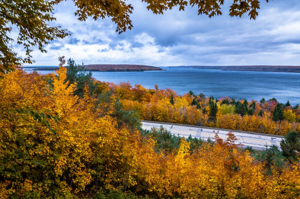 2018 Fall Colors in Frankfort, Michigan & Sleeping...