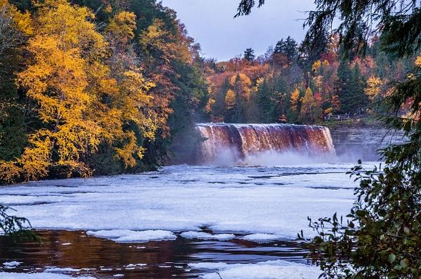 2018 Fall Colors @ Tahquamenon Upper Falls in between...