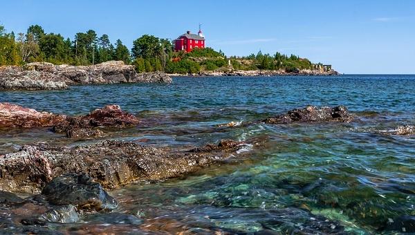 Marquette Harbor Lighthouse by SDNowakowski