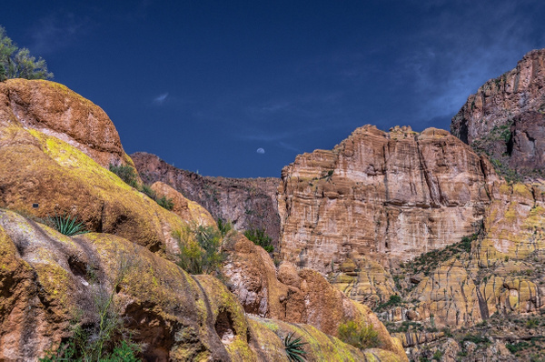 Canyon Lake by SDNowakowski