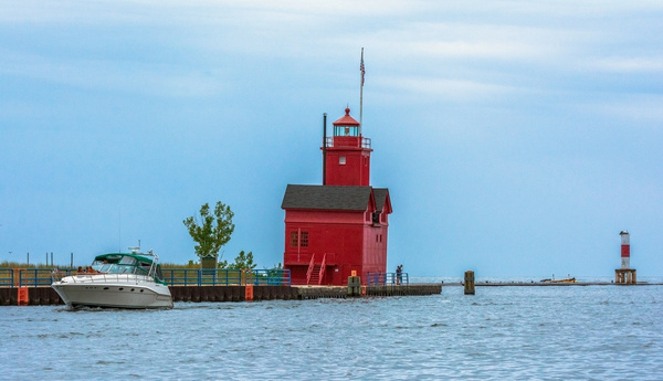 2019 Holland Channel Lighthouse (Big Red) on a rainy day...