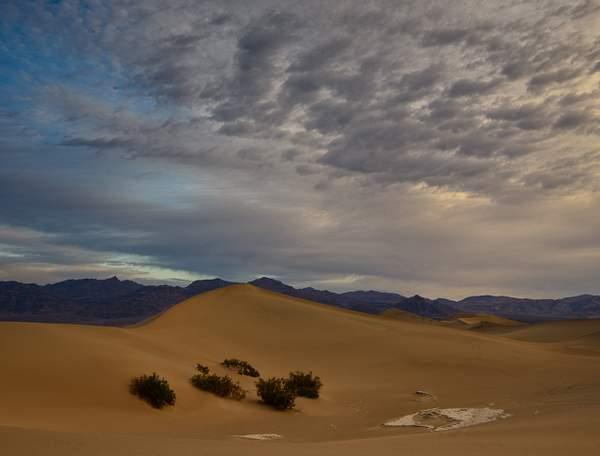 Cloudy Dune Sunrise)