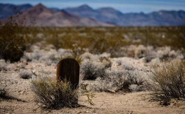 Grave In the Middle of No Where (1 of 1)