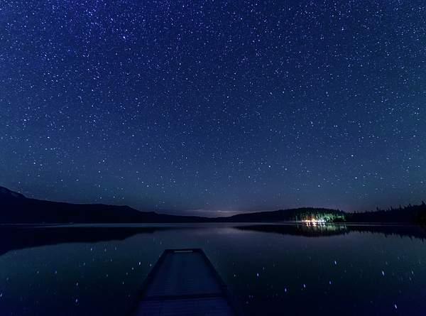 Diamond Lake Reflections