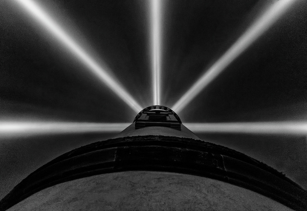 Looking Up at the Beams in the Fog b and w