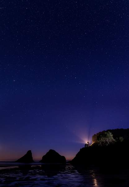 Big Dipper Ove Lighthouse Rays