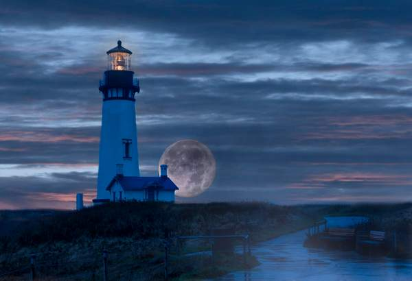 Rainy Night for Super Moon At Lighthouse V4