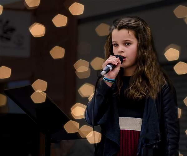 Rachel Singing Halleluia
