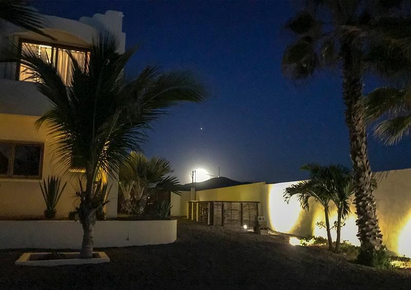 Moon_Rising_In_Baja_