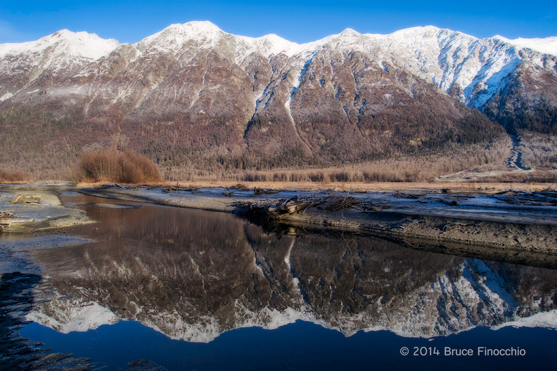 Takshanuk Mountains Reflected In The Chilkat River_BE104506D7II c