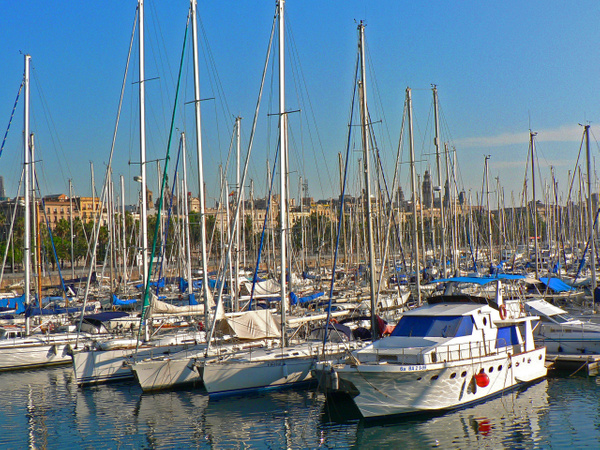 Barcelona (8) by Gary Acaley