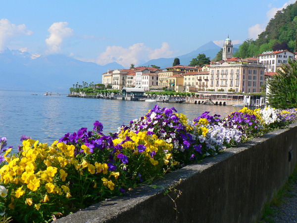 Bellagio Italy (4) by Gary Acaley