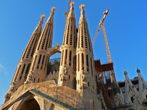 Barcelona Gaudi (8) by Gary Acaley