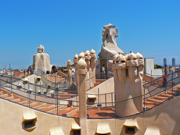Barcelona Gaudi (18) by Gary Acaley