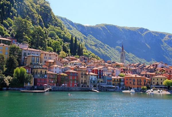 Lake Como Varenna by Gary Acaley